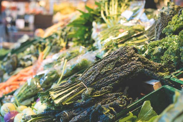 green leafy vegetables are rich in Vitamin B for brain functions